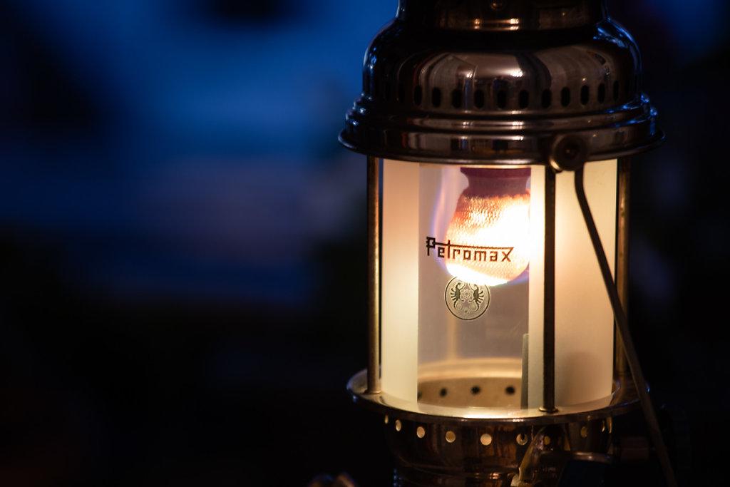 Flammenkranz am Glühstrumpf der Petromax